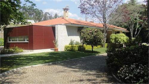 # 8373171 - £593,630 - 4 Bed Villa, Vermil, Braga region, Portugal