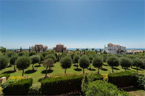 # 8422429 - £198,100 - 2 Bed Flat, Benahavis, Malaga, Andalucia, Spain