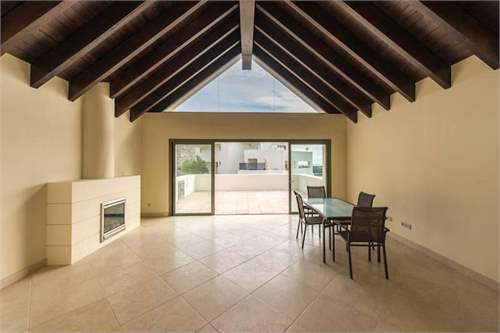 # 8462514 - £593,100 - 3 Bed Penthouse, Benahavis, Malaga, Andalucia, Spain