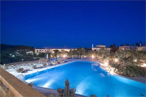 # 11517296 - £717,840 - 3 Bed Hotel Room, Quinta do Lago, Faro region, Portugal