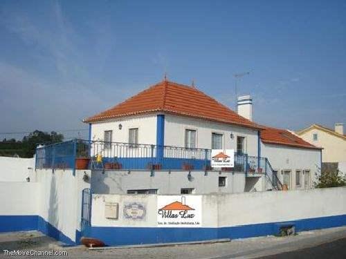 # 1334669 - £143,064 - 4 Bed House, Caldas da Rainha, Leiria region, Portugal