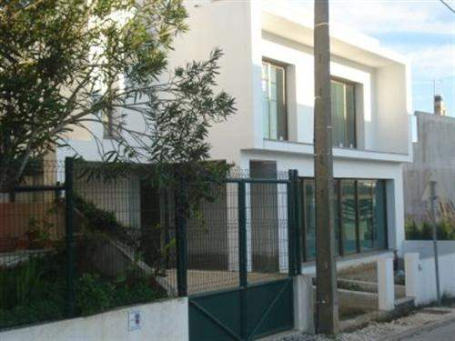 Portuguese Real Estate #1352393 - &pound;200,275 - 4 Bedroom House