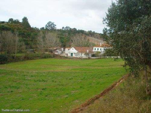 Portuguese Real Estate #1355921 - £1,201,650 - 6 Bed Mansion