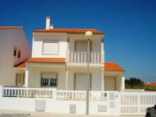 Portuguese Real Estate #1357257 - &pound;167,958 - 3 Bedroom House
