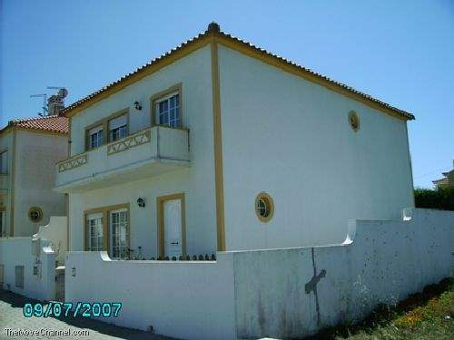 Portuguese Real Estate #1357258 - £159,960 - 4 Bed House