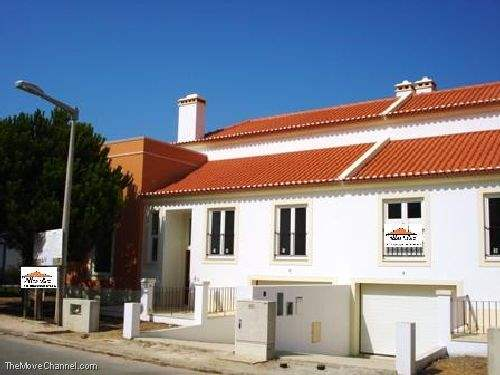 Portuguese Real Estate #1383878 - &pound;219,945 - 4 Bedroom House