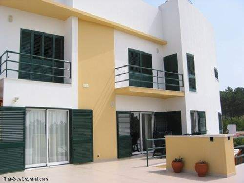 Portuguese Real Estate #1663390 - £336,462 - 4 Bed House