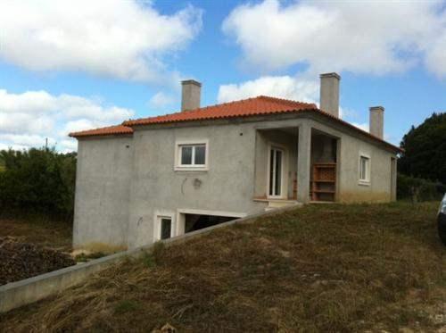 # 5035312 - £210,622 - 3 Bed Villa, Caldas da Rainha, Leiria region, Portugal