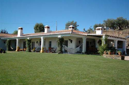 # 5044173 - £678,775 - 5 Bed Farmhouse, Evora, Portugal