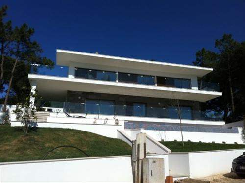 # 5683688 - £629,720 - 5 Bed Villa, Foz do Arelho, Leiria region, Portugal