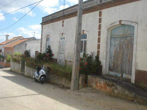 Portuguese Real Estate #5993226 - £61,984 - 4 Bedroom Cottage