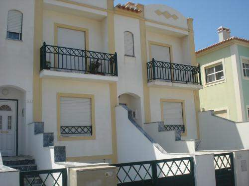 Portuguese Real Estate #6114648 - £119,970 - 3 Bedroom Townhouse