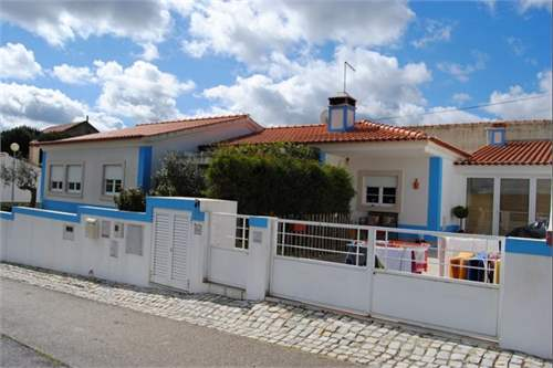# 7480738 - £135,116 - 3 Bed Townhouse, Caldas da Rainha, Leiria region, Portugal