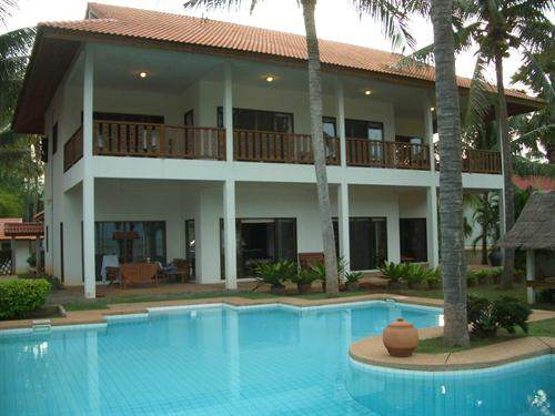 Thai Real Estate #4391973 - £517,086 - 4 Bed Villa