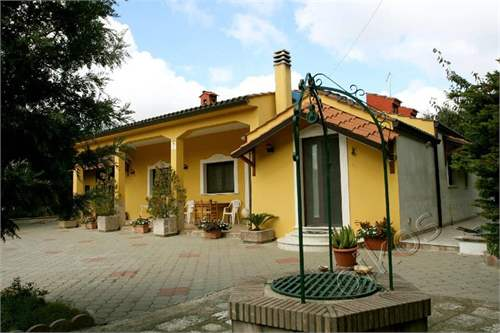 # 3730432 - £218,570 - 3 Bed Villa, Oria, Brindisi, Puglia, Italy
