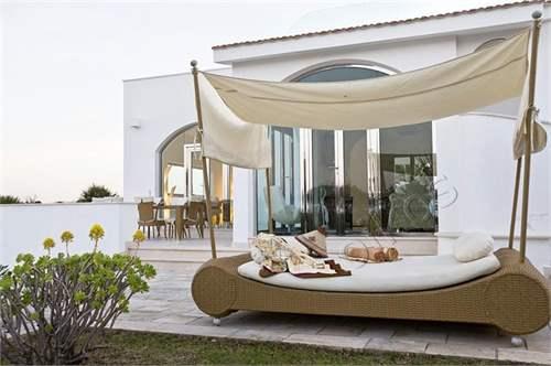 # 5991306 - £1,828,040 - 3 Bed Villa, Ostuni, Brindisi, Puglia, Italy