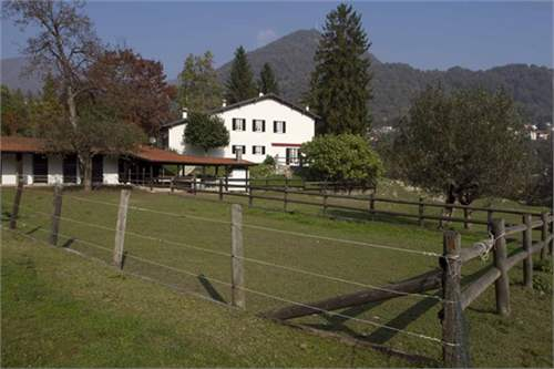 # 10562401 - £813,204 - 4 Bed Cottage, Cerano d'Intelvi, Como, Lombardy, Italy