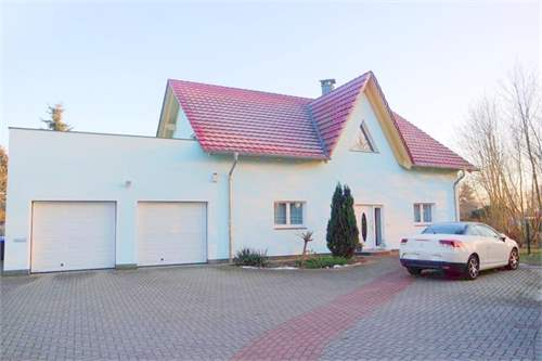 Property ID: 27488824 - Click to View More Information
