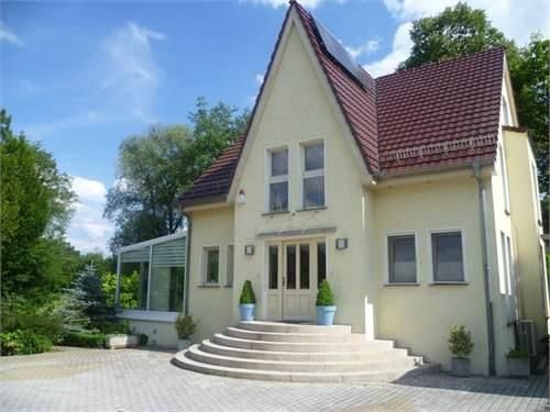 Property ID: 28754412 - Click to View More Information