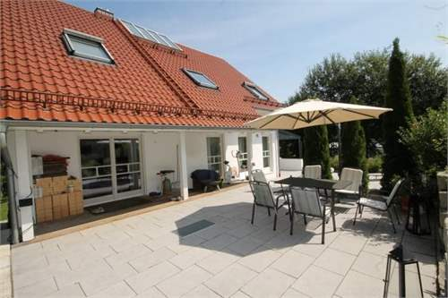 Property ID: 28754422 - Click to View More Information