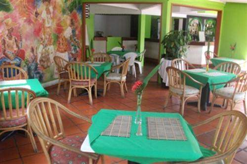 St Lucia Real Estate #4521770 - £933,450 - Restaurant