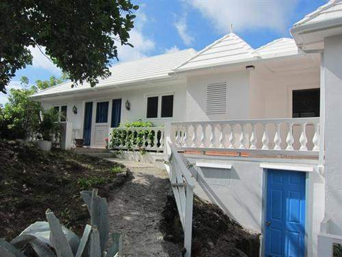 St Vincent and Grenadines Real Estate #5461864 - £1,139,712 - 3 Bed House