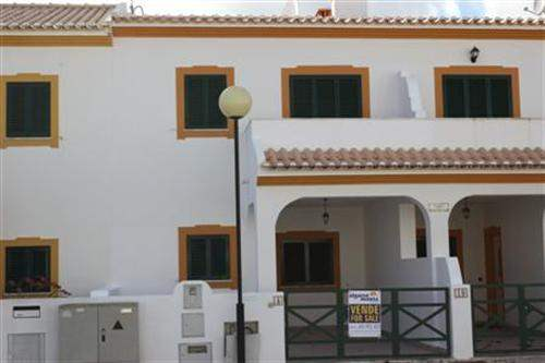 # 5040239 - £130,350 - 2 Bed Townhouse, Manta Rota, Faro region, Portugal