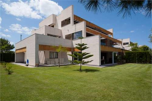 Property ID: 27882056 - Click to View More Information