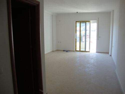 Studio apartment in Sarande Titania, front line