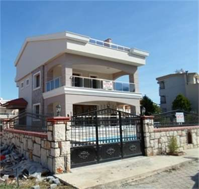 # 9524615 - £180,000 - 5 Bed Villa, Altinkum, Aydin Province, Turkey