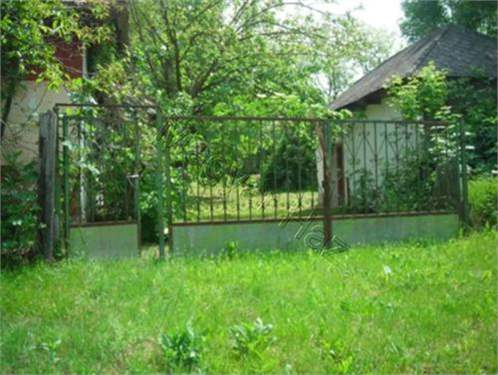 Hungarian Real Estate #3736024 - £12,516 - House