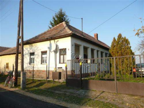 Hungarian Real Estate #3749220 - £13,440 - House