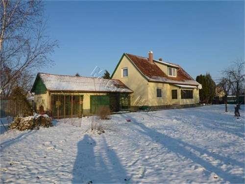 Hungarian Real Estate #6792117 - &pound;41,720 - House