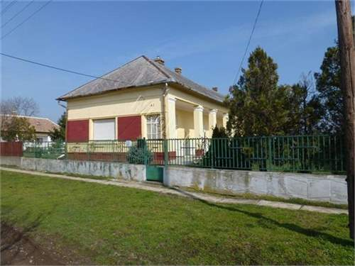 Hungarian Real Estate #7396856 - &pound;15,624 - House