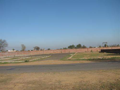 Indian Real Estate #4326526 - £24,829 - Retail