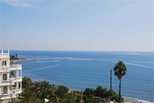 # 11824914 - £147,220 - 2 Bed Apartment, Estepona, Malaga, Andalucia, Spain
