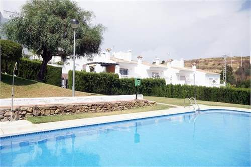 # 12095610 - £133,200 - 2 Bed Apartment, Estepona, Malaga, Andalucia, Spain