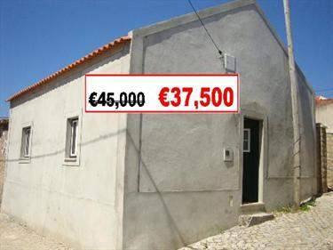 Portuguese Real Estate #5656201 - £29,595 - Cottage