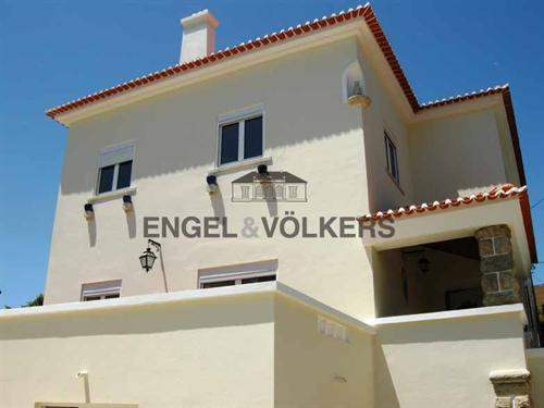 Portuguese Real Estate #4358908 - £543,348 - 6 Bed Townhouse