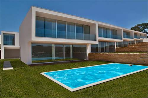 Portuguese Real Estate #6908756 - £526,563 - Residential Property