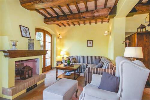 # 17045746 - £422,554 - 3 Bed Townhouse, Lajatico, Pisa, Tuscany, Italy