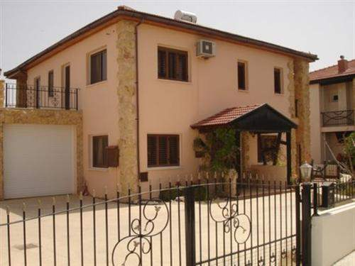 Cypriot Real Estate #5612727 - £225,144 - 4 Bed Villa