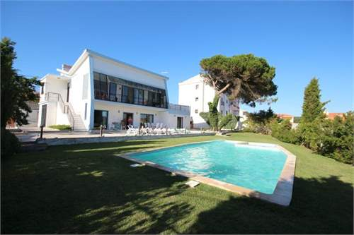 # 9248020 - £338,671 - 5 Bed Villa, Foz do Arelho, Leiria region, Portugal