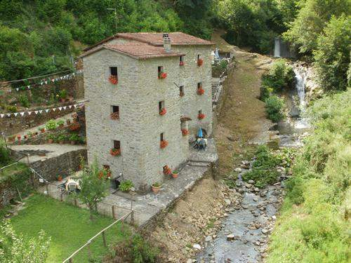 Italian Real Estate #4407901 - £159,160 - 5 Bed Mill