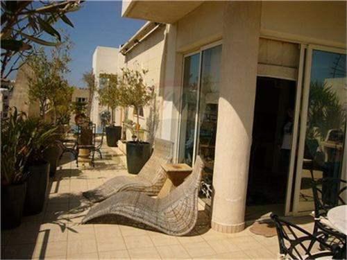 # 11974489 - £444,416 - 3 Bed Apartment, Sliema, Malta