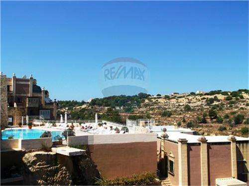 # 12034803 - £250,362 - 3 Bed Apartment, Madliena, Malta