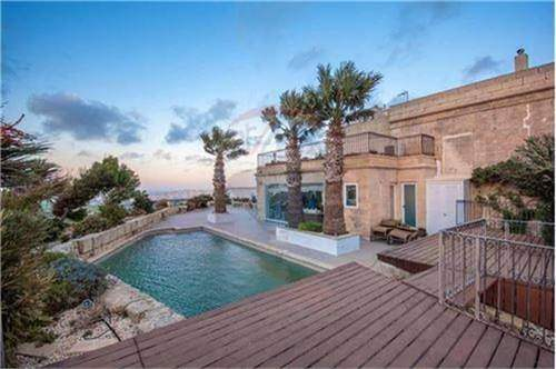 # 15149045 - £3,887,520 - 4 Bed Unique Property, Mdina, Malta