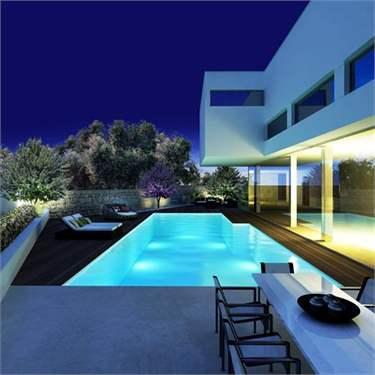# 6114637 - £1,652,090 - 4 Bed Villa, Madliena, Attard, Malta