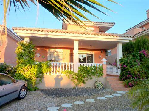 Spanish Real Estate #6139224 - £191,952 - 3 Bedroom Villa