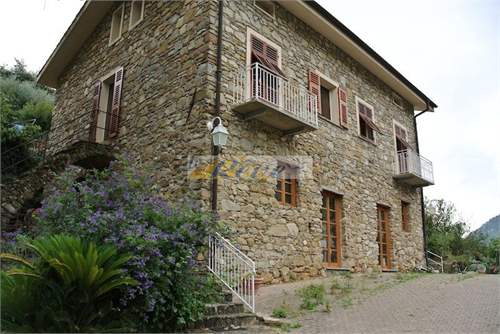 # 9304599 - £594,075 - 2 Bed Cottage, Bordighera, Imperia, Liguria, Italy